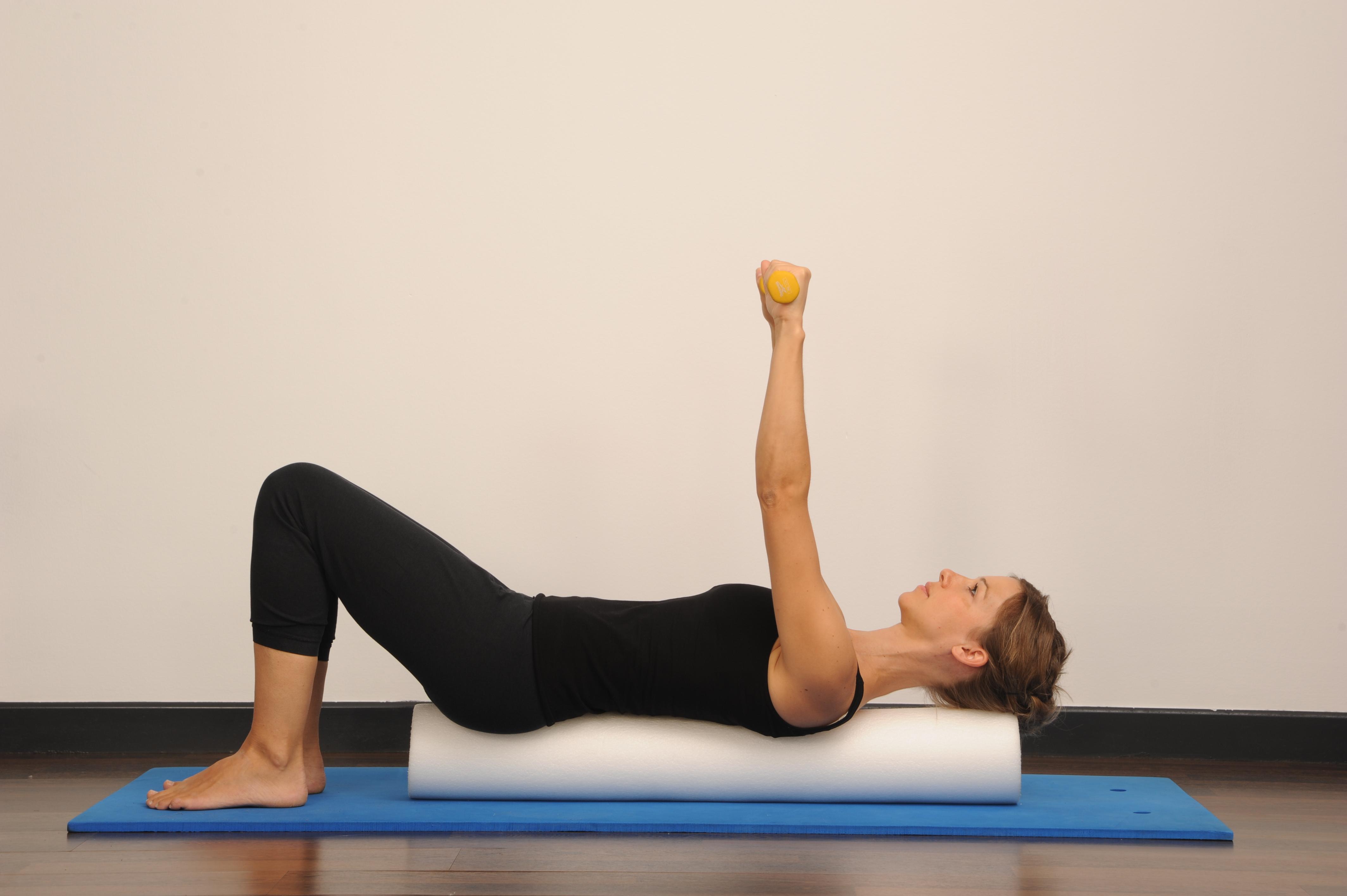 Pilates con Foam Roller e pesas